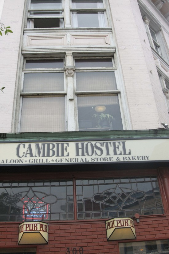 Must Have Items for Staying in Hostels