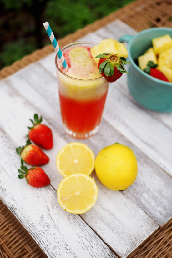 Let's Juice! Strawberry Lemonade