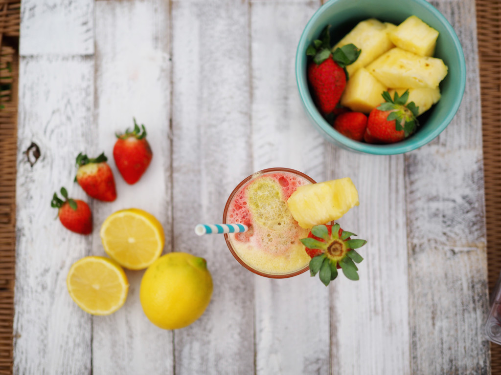 Let's Juice! Fresh Strawberry Lemonade Recipe